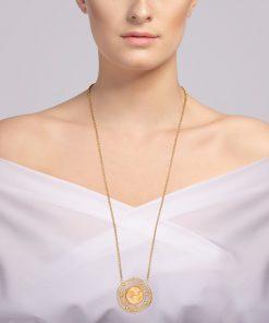 mays halskæde i forgyldt kirurgisk stål med håndpresset tjekkisk krystal ilagt 24 karat guld